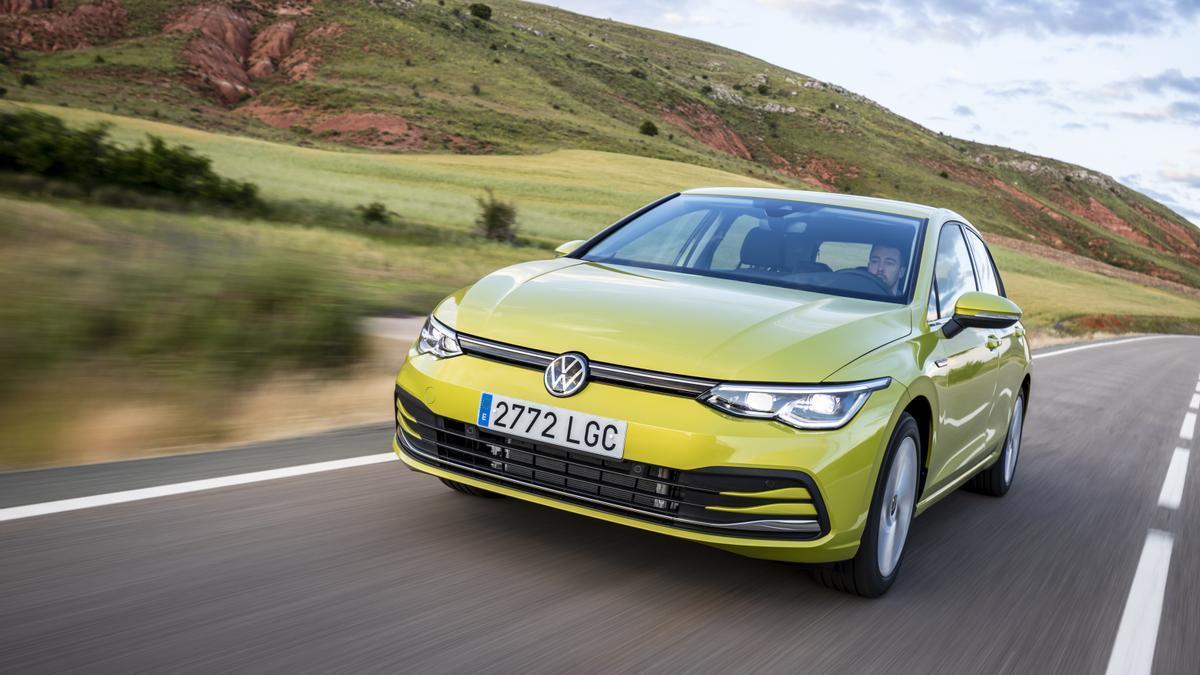Volkswagen Golf eTSI.