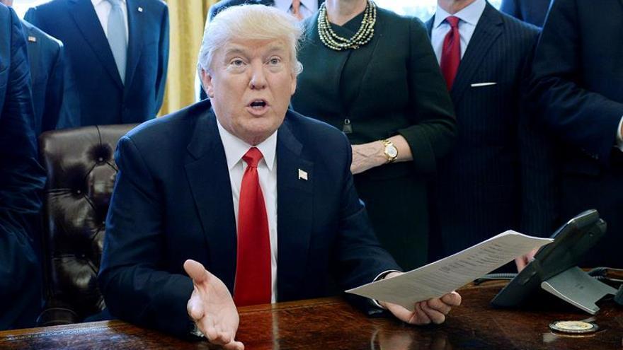 Trump conversará este viernes con el líder palestino Mahmud Abás
