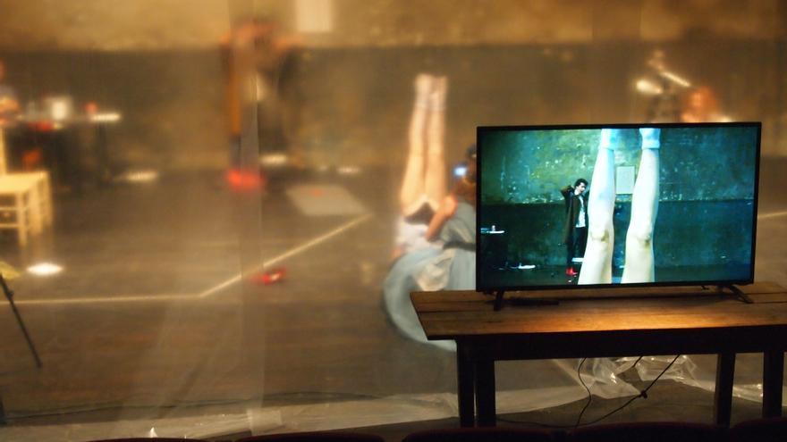 La obra 'Mi tele tiene un grillo dentro'