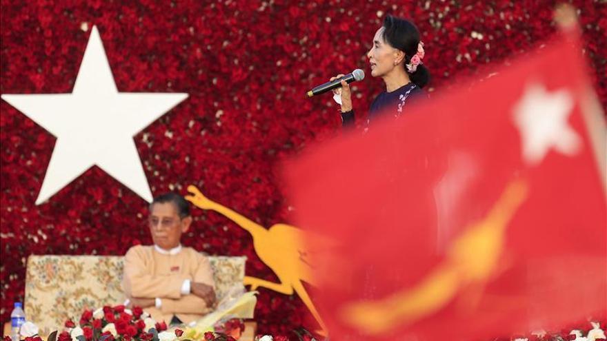 Suu Kyi reitera que dirigirá el Gobierno si gana las elecciones en Birmania