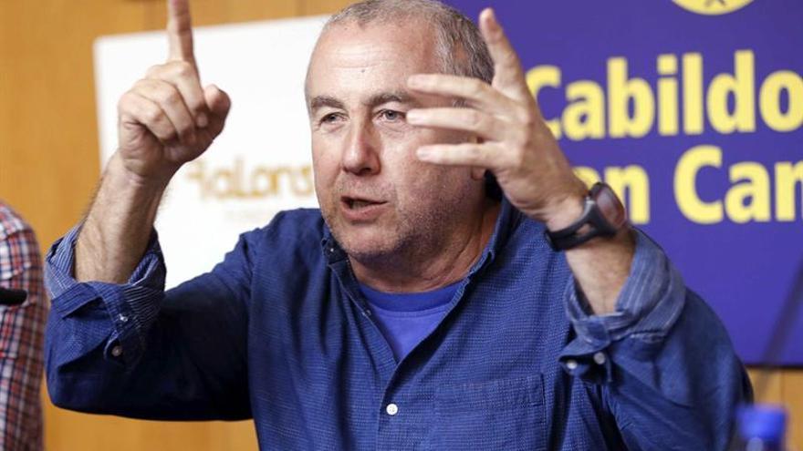 El timplista Domingo Rodríguez 'El Colorao', durante la presentación en rueda de prensa su nuevo proyecto, Encrucijada. EFE/Elvira Urquijo A.