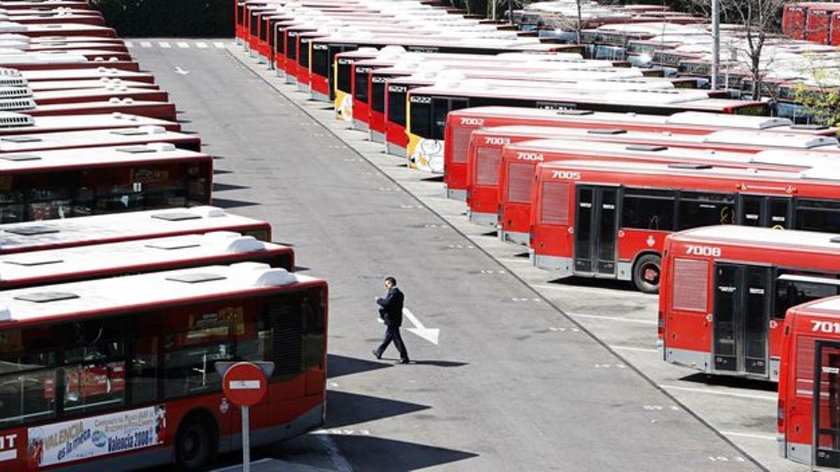 El parque de autobuses de la EMT en Valencia.