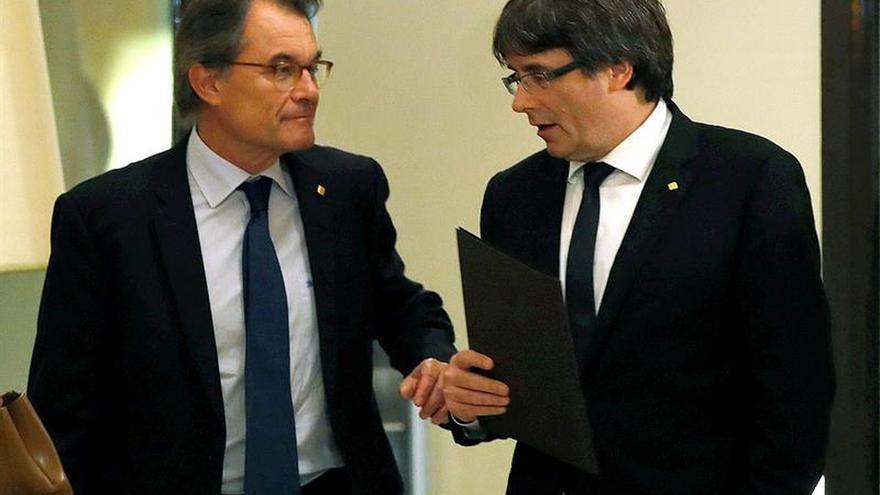 "El PDeCAT y Puigdemont perfilan una ""lista del president"" transversal"
