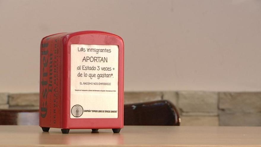 Un grupo de asociaciones impulsa la campaña Espacio Libre de Tópicos en el barrio de San Cristóbal de los Ángeles (Madrid)