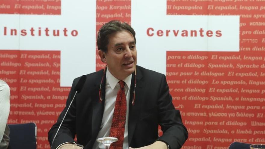 García Montero insiste en que el español no pertenece a la marca España