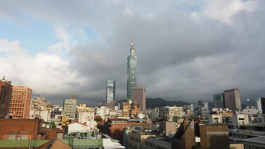 El avance del fuerte tifón Lan amenaza con entorpecer las elecciones en Japón