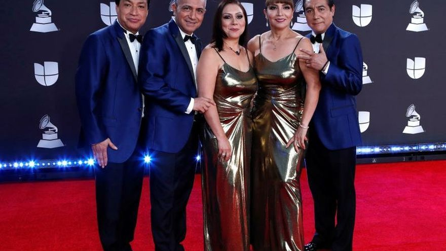 Fotografía de archivo fechada el 15 de noviembre de 2019 de la agrupación Los Ángeles Azules en la entrega de los Grammy Latinos, en Las Vegas (EE. UU.).