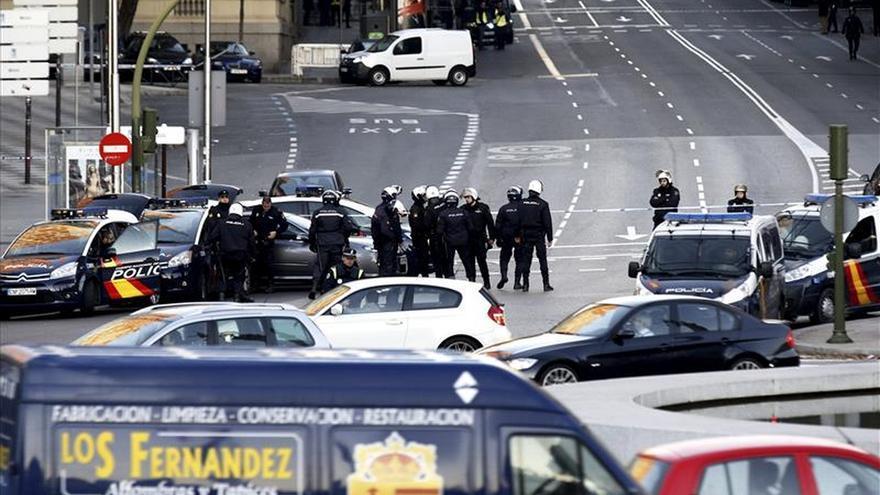 Aspecto del perímetro de seguridad en la mañana del ataque a Génova.