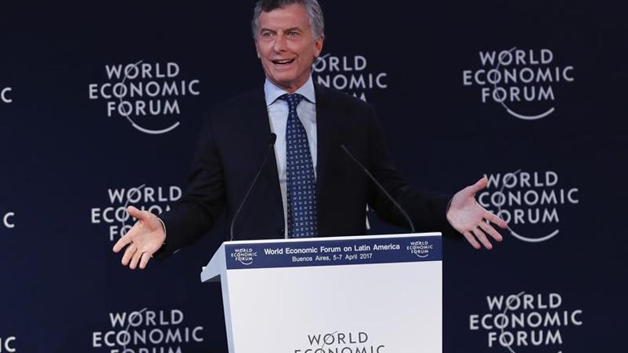Macri llama a dirimir las diferencias en las urnas tras la huelga general