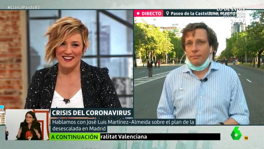 Cristina Pardo y José Luis Martínez-Almeida, ayer en 'Liarla Pardo'