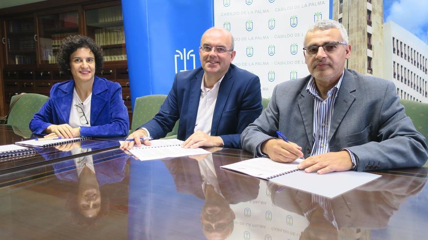 Firma del convenio entre el Cabildo e Isonorte.