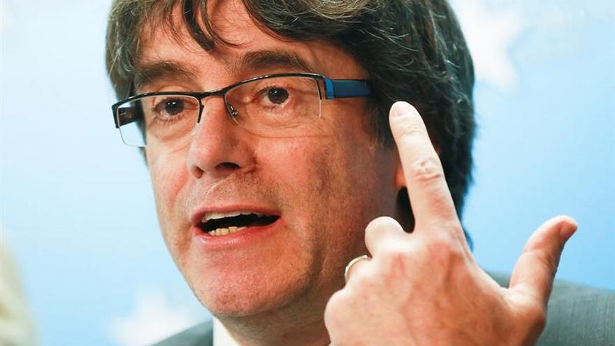 """Puigdemont asegura que """"no ha huido"""" y quiere ser candidato para las elecciones del 21-D"""