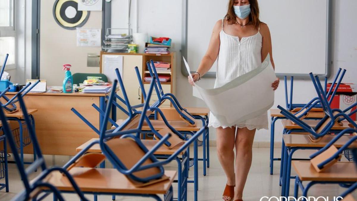 Preparativos para el inicio del curso en el colegio Salvador Vinuesa | ÁLEX GALLEGOS