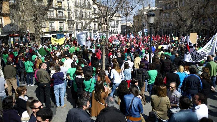 Manifestación después de la huelga general de los trabajadores públicos en Castilla-La Mancha