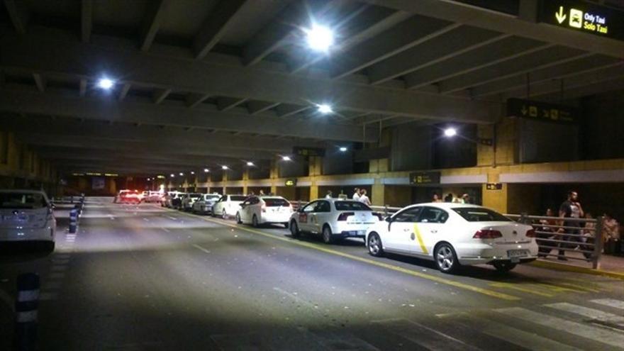 """Cabrera llama a """"denunciar las agresiones"""" en el sector del taxi para """"frenar los incidentes"""""""