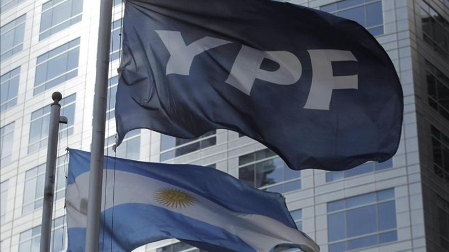 YPF ampliará su programa global de obligaciones en 2.000 millones de dólares