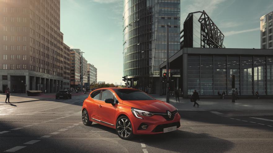 En la parte delantera, el diseño exterior del nuevo Clio toma elementos del Renault Mégane.