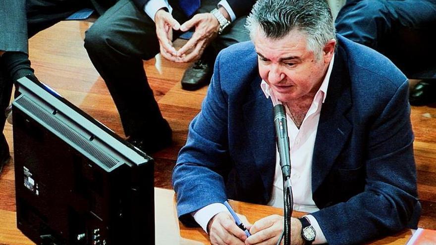 Roca dice que obedeció a Jesús Gil para construir una desaladora en Marbella