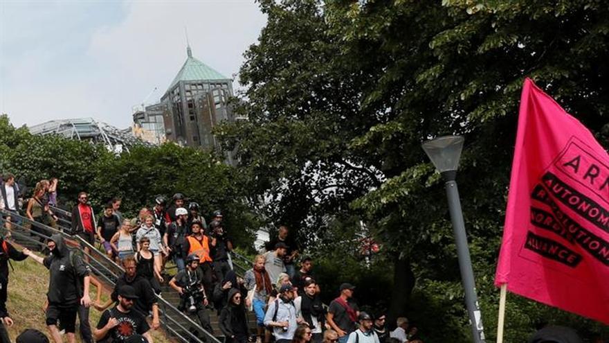 Suben a 159 los policías heridos en Hamburgo y a 45 los detenidos en las protestas