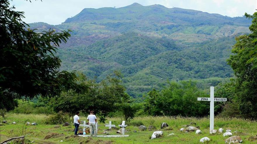 Tumbas simbólicas y ruinas, la única señal de que Armero existió