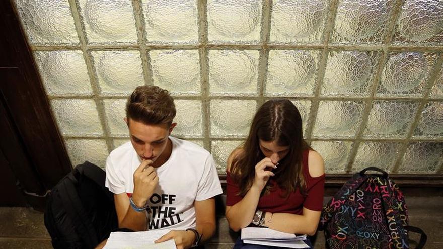 Más del 50% los jóvenes españoles cree que tendrá que emigrar por trabajo