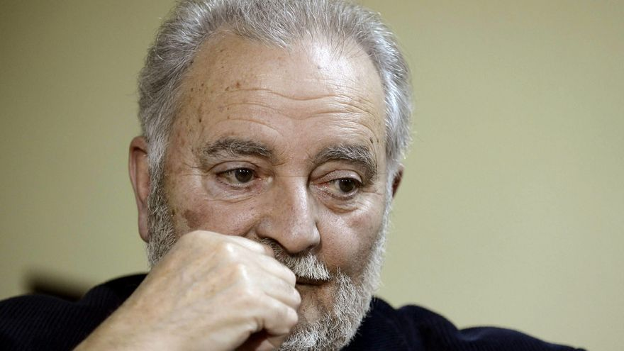 """Julio Anguita considera una """"buena noticia"""" la lista unitaria de IU"""