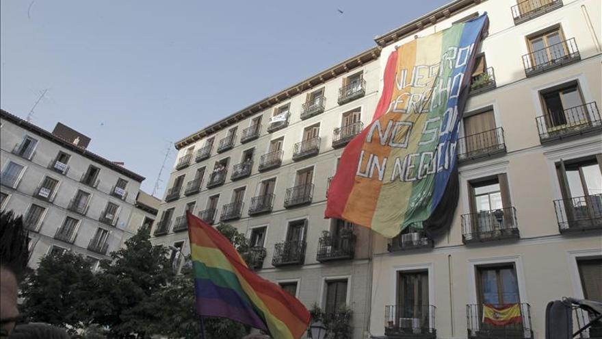 El Gobierno de Botella multa con 160.000 euros por ruido a la fiesta del Orgullo