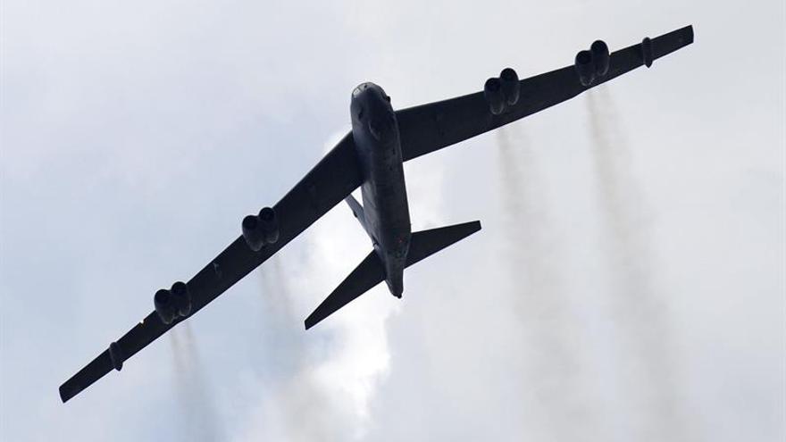 Dos bombarderos de EEUU sobrevuelan el Mar de China Meridional
