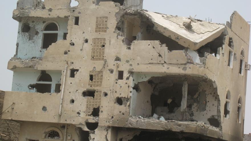 Edificio dañado en Zinjibar, capital de la provincia de Abyan en el sur de Yemen. © Amnistía Internacional
