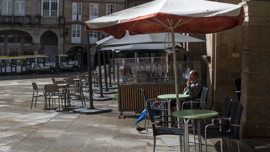 Primeros ensayos de la desescalada en Galicia: Feijóo abre los bares en ocho ayuntamientos con la mirada puesta en la navidad