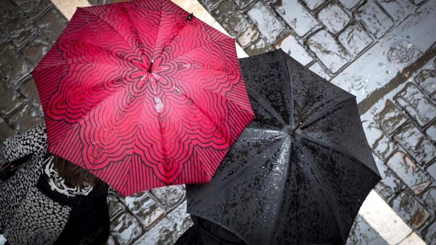 Un nuevo frente frío recibe diciembre con lluvia y ambiente invernal