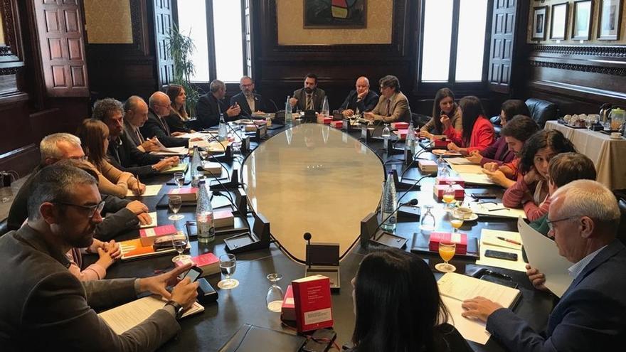La Mesa del Parlament desestima reconsiderar la propuesta de JxCat, ERC y la CUP