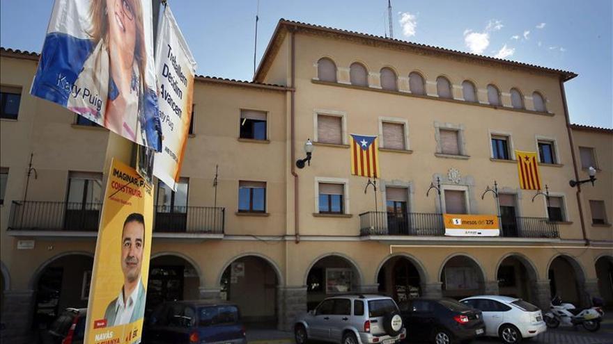 """CiU presentará recurso a la Junta Electoral y aboga por mantener las """"estelades"""""""