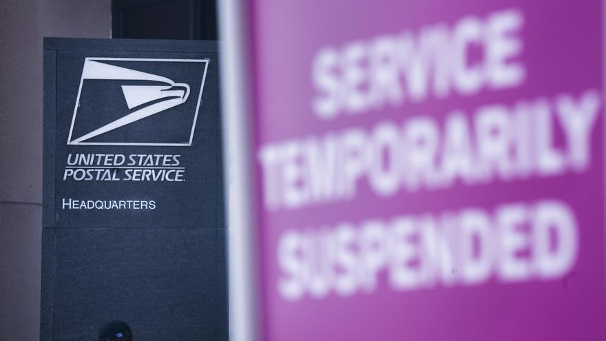 El Servicio Postal de EE.UU. frena polémicos cambios hasta después de las elecciones