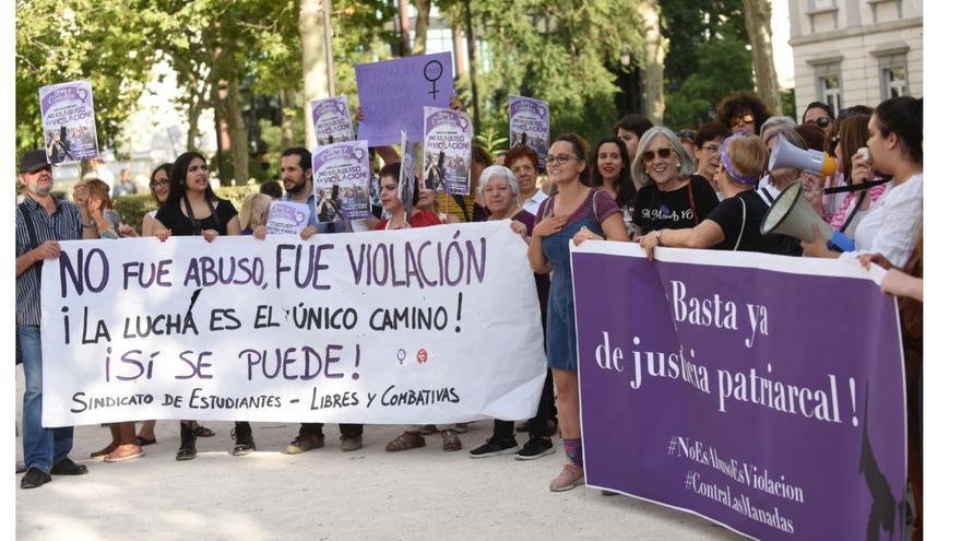 Manifestación feminista frene al Tribunal Supremo en Madrid, el 21/06/2019.