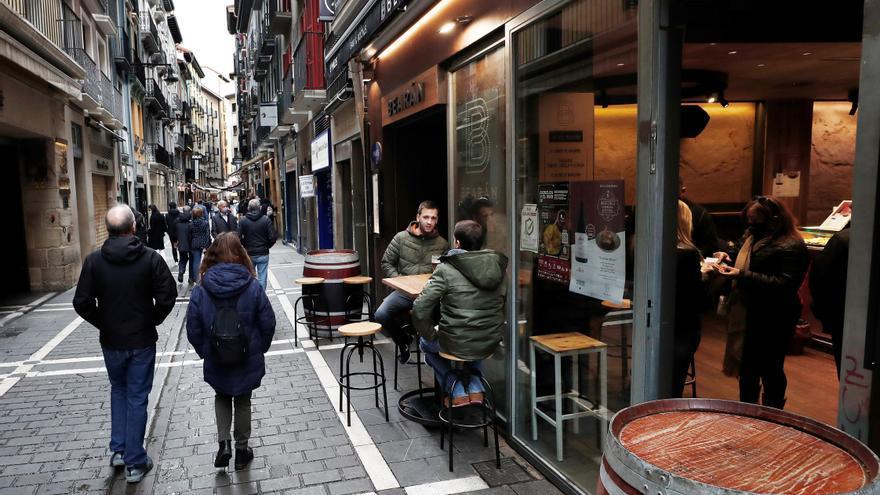 Navarra anuncia restricciones de reuniones, aforos y horarios de hostelería