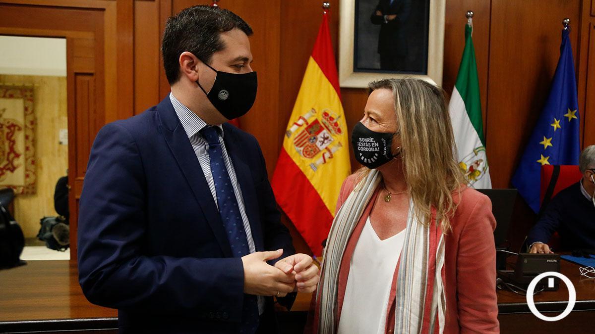 Bellido con Albás en un Pleno del Ayuntamiento de Córdoba.