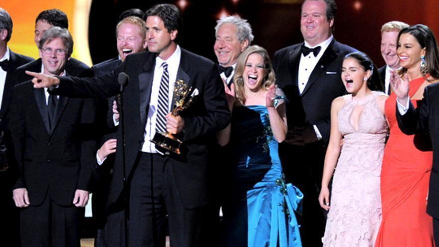 "Emmy 2011: ""Modern Family"" barre, ""Mad Men"" repite y ""Downton Abbey"" se luce en una gala con sorpresas"