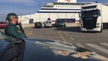 Localizan a dos migrantes albaneses en el Puerto de Bilbao que pretendían viajar a Reino Unido como polizones en un maletero