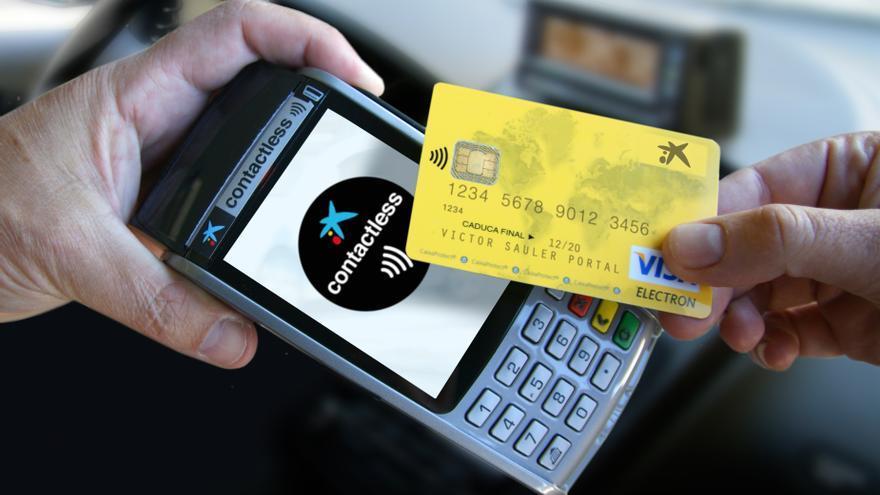 La Caixa lanza etiquetas 'contactless' para pagar con el móvil en Barcelona