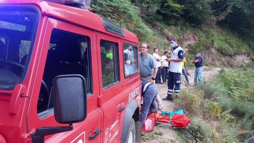 Los Bomberos del Gobierno regional en el rescate de los heridos