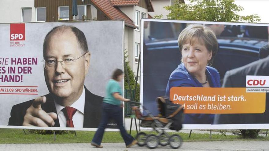 La canciller Angela Merkel y el candidato socialdemócrata Peer Steinbrück. \ EFE