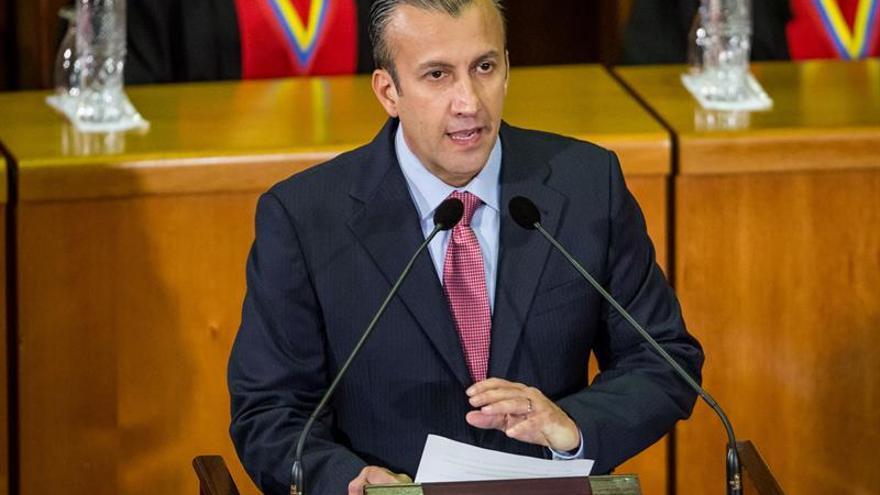 Venezuela convoca a los tenedores de sus bonos para renegociar la deuda