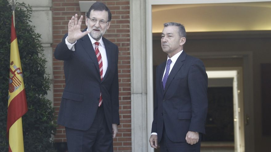 """Rivero insta a Rajoy a que tome """"cartas en el asunto"""" y le pide que suspenda las prospecciones en Canarias"""