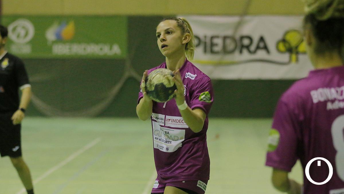 Armina Isic, jugadora del Adesal