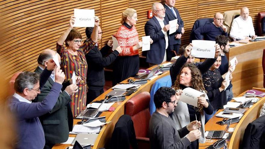 Les Corts piden a Francisco Camps que deje el Consejo Consultivo