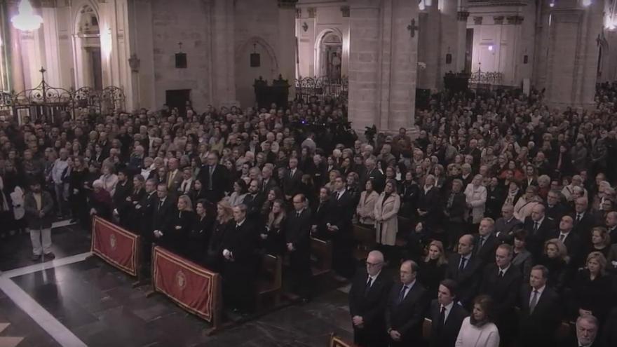 La catedral de Valencia se ha quedado pequeña con motivo del funeral en honor de Rita Barberá