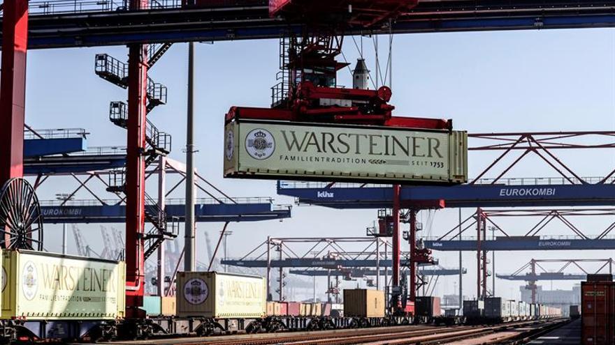 El déficit comercial suma 7.111 millones hasta febrero, un 16,5 por ciento más