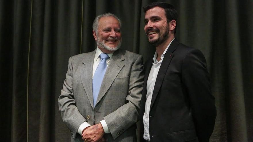 """Anguita llama a IU y Podemos a volver a intentar la confluencia """"ahora que hay por delante cuatro años"""""""