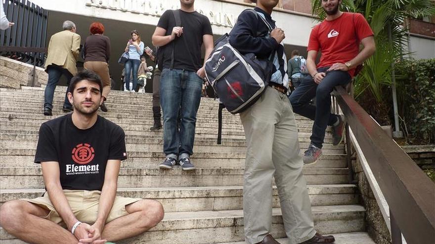 Informe de la UE alerta de la creciente brecha entre jóvenes que estudian y los que no